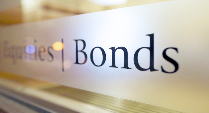 Bonds-concept-profitability-key-indicators-of-valuation